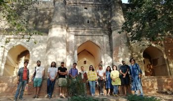 The group in front of the mosque of Darwesh Shah