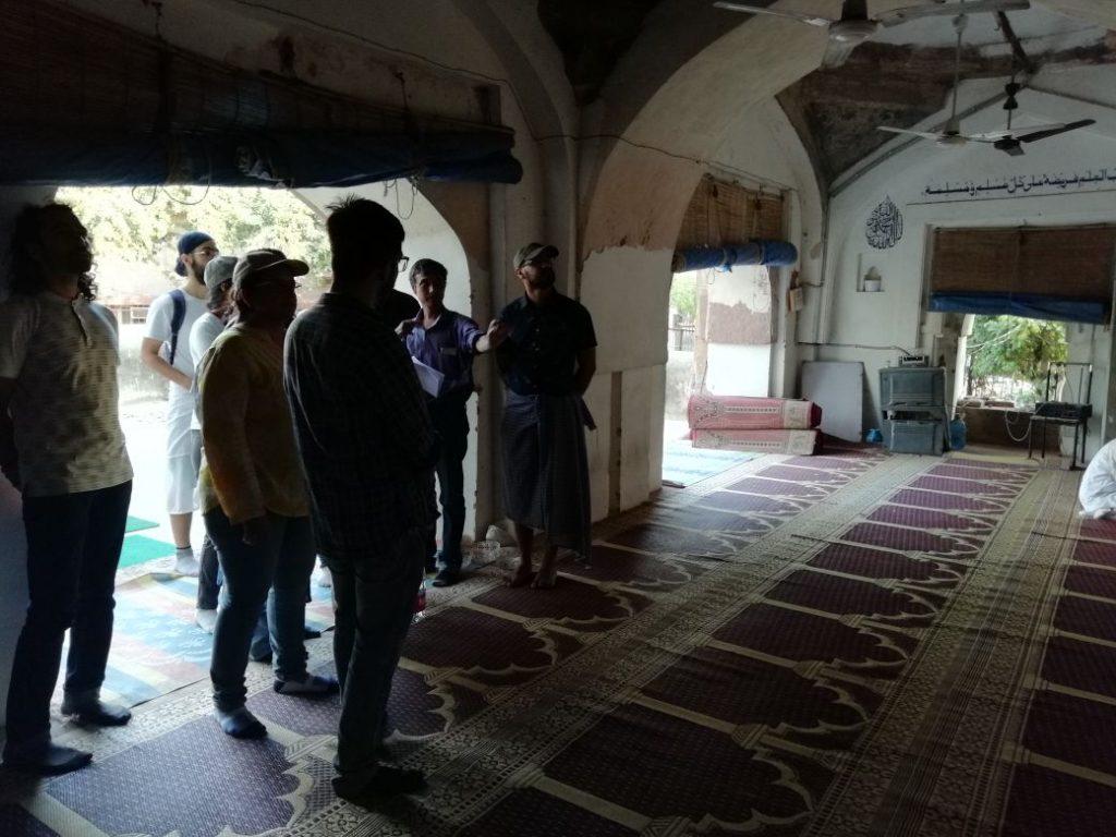 The group at the Nili Masjid